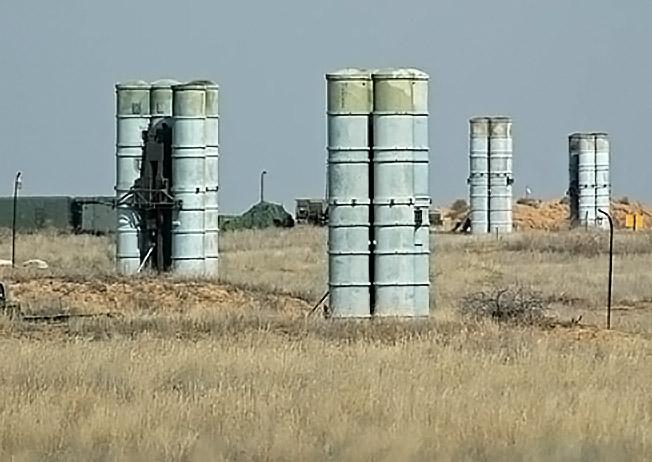 Комплексы С-300 помогут закрыть небо над Сирией.