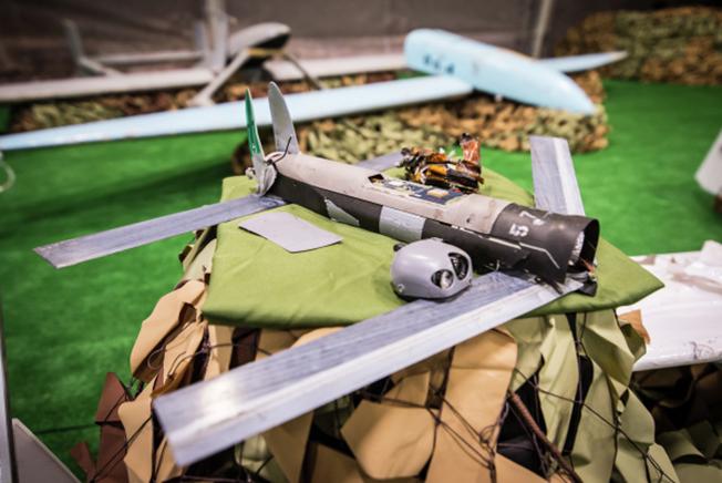 Компактный ударный беспилотник захваченный у боевиков в Сирии.