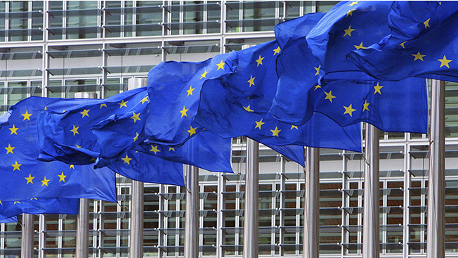 Если Америку вытеснят из Европы, им предстоит моментально лишиться многомиллиардных субсидий из казны ЕС.