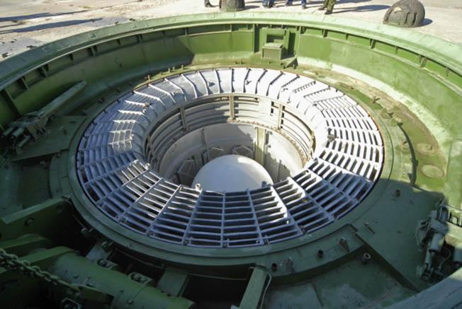 Межконтинентальная баллистическая ракета шахтного базирования.