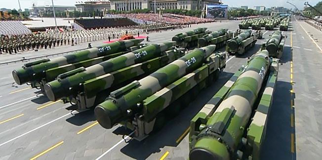 Американские авианосные группы не могут подойти к побережью Китая ближе, чем на две тысячи километров, потому что попадут в зону поражения китайских баллистических ракет средней дальности.