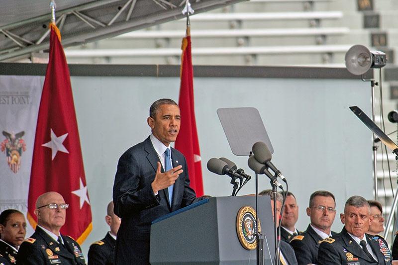 Барак Обама выступает в военной академии «Вест Пойнт» в мае 2014 года.