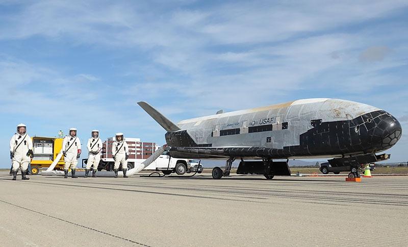 Американский многоразовый орбитальный самолёт Boeing X-37.