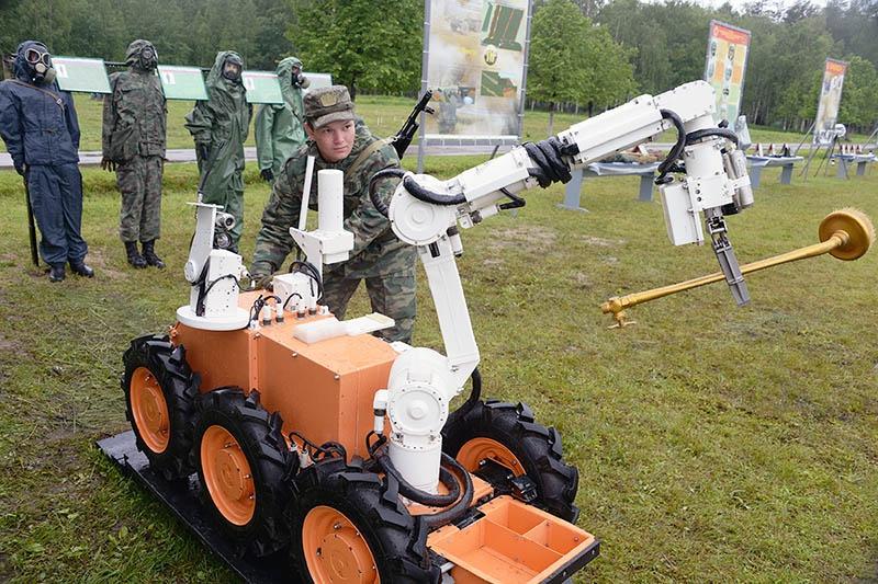 Робот радиационной и химической разведки РД-РХР.