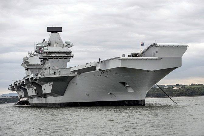 Авианосец «Queen Elizabeth».