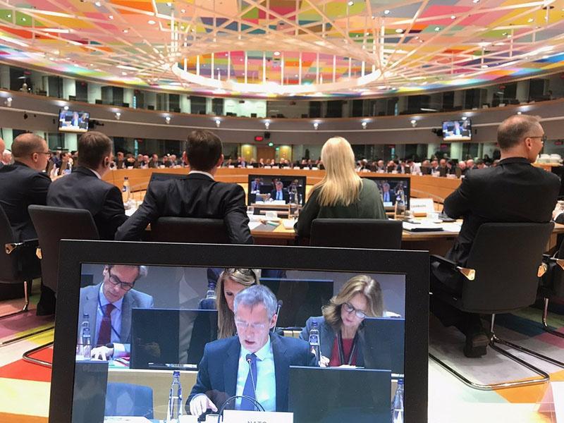 Главы министерств иностранных дел и обороны стран Евросоюза на встрече в Брюсселе 19 ноября 2018 года.