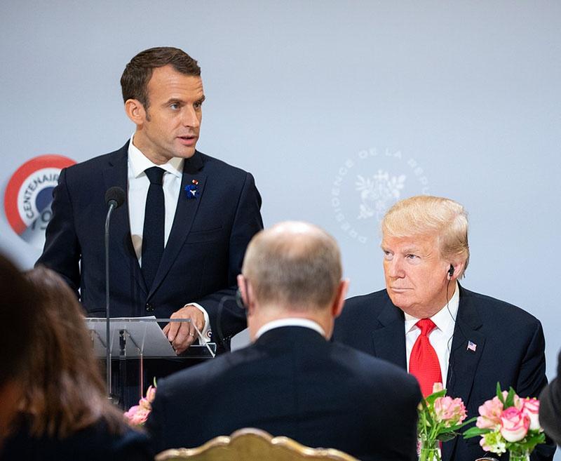 Конфликт между французским президентом Эмманюэлем Макроном и его американским коллегой Дональдом Трампом.