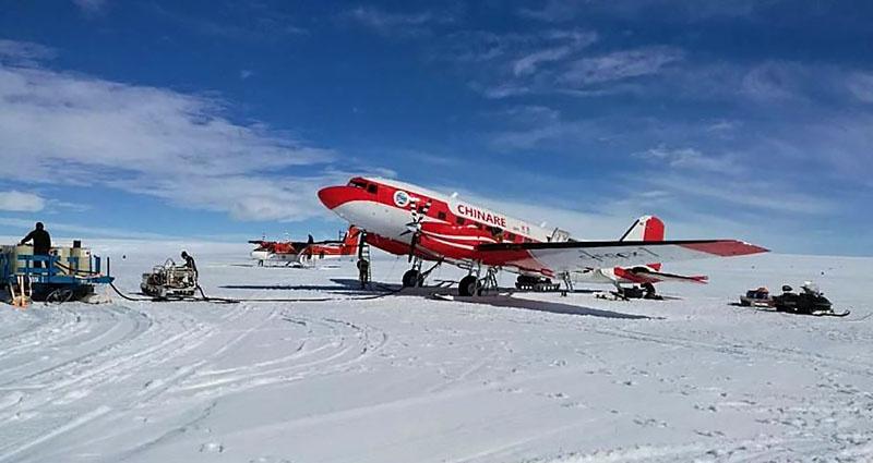 Китайский антарктический «Снежный ястреб».