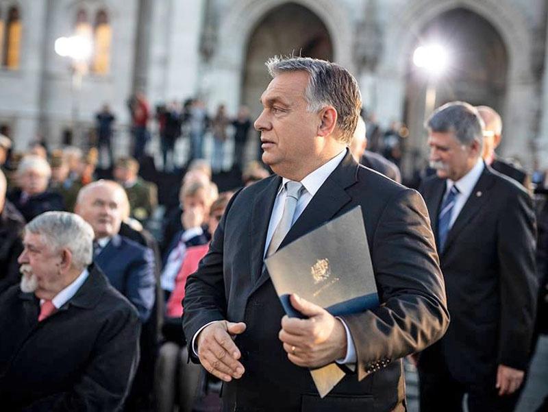 Виктор Орбан за формирование после выборов единой фракции евроскептиков.