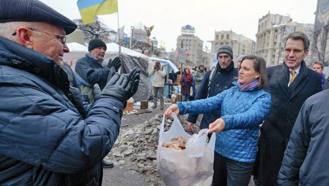 Небезызвестная «раздатчица печенек» Виктория Нуланд активно поддерживает «Независимую Казакию» на дипломатическом уровне.