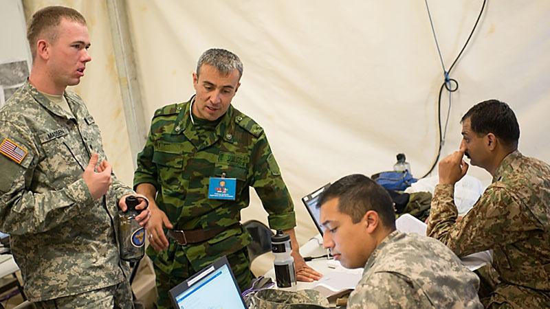 Военные из Узбекистана, Казахстана и Таджикистана приняли участие в учениях «Региональное сотрудничество – 2018», проходивших на военной базе «Эдвардс» в США.