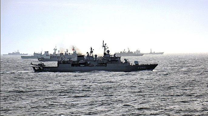 Генсек НАТО Йенс Столтенберг пообещал увеличить присутствие военных кораблей НАТО в Черном море.