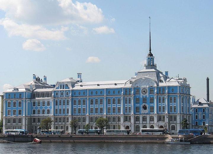 Нахимовское военно-морское училище.