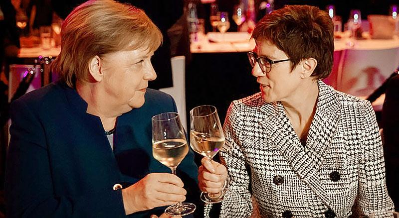 АКК будет однозначно на стороне госпожи Меркель.