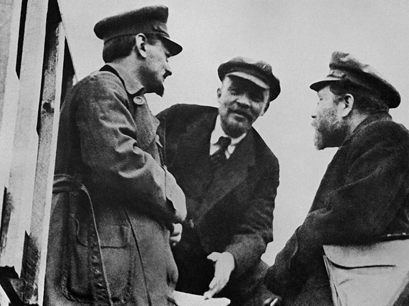Ульянов-Ленин с Троцким.