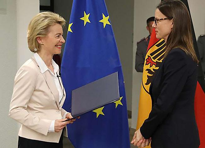 Урсула фон дер Ляйен лично пригласила на пост статс-секретаря Катрин Зудер.