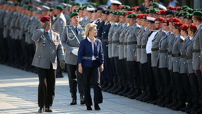 Как партнеры из МакКинзи подставили германского министра обороны