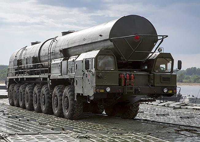 Стратегические ракеты не плавают. Военные инженеры обустраивают паромную переправу, и русские «Ярсы» могут «расползтись» по бескрайним просторам России