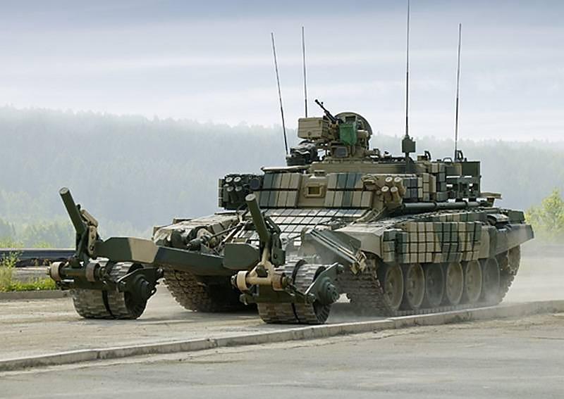 Бронированная машина разминирования БМР-3МА.