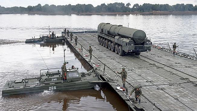 Волшебники в хаки: только в России ракеты ходят по воде аки посуху