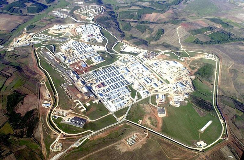 База Бондстил в Косове стала крупнейшей базой США в Европе.