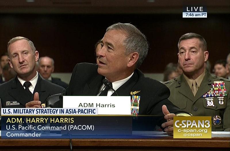 Адмирал Гарри Гаррис выступает в Сенате.