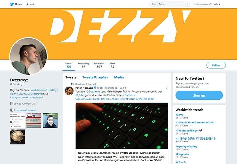 Взломанный Twitter аккаунт Янника Кромера, известного под псевдонимом Dezztroyz.