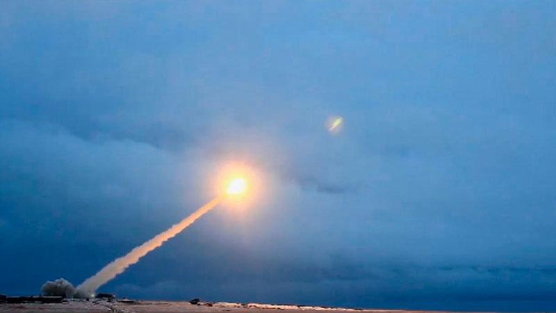 Пуск крылатой ракеты 9М730 «Буревестник».