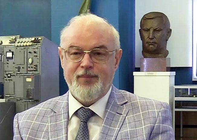 Военный эксперт Юрий Кнутов.