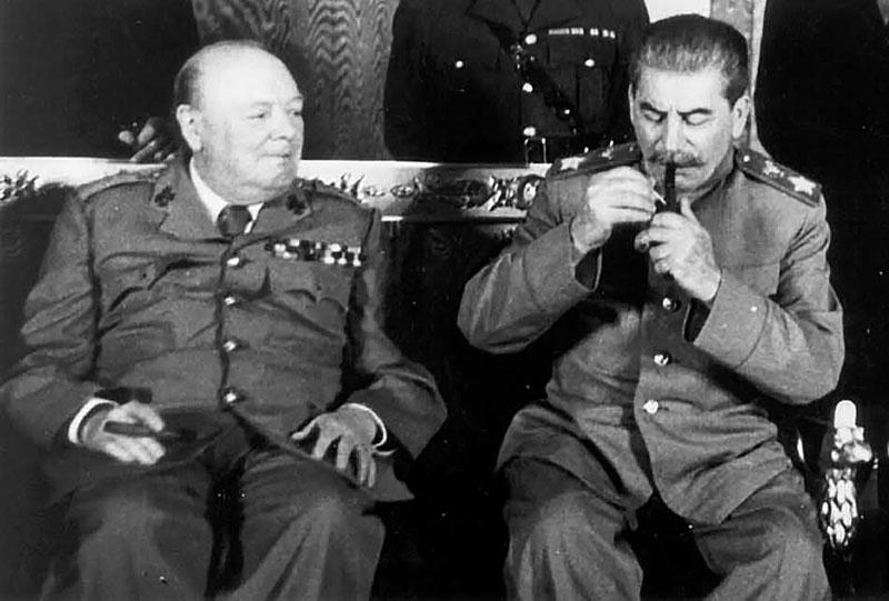 Уинстон Черчилль запросил помощи у Иосифа Сталина.