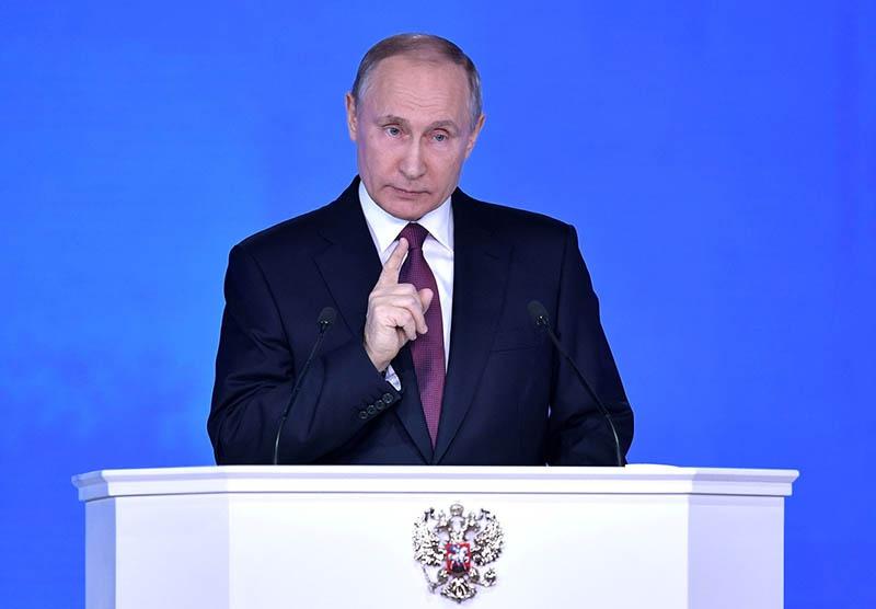 Президент России предлагает западным лидерам прекратить конфронтацию.