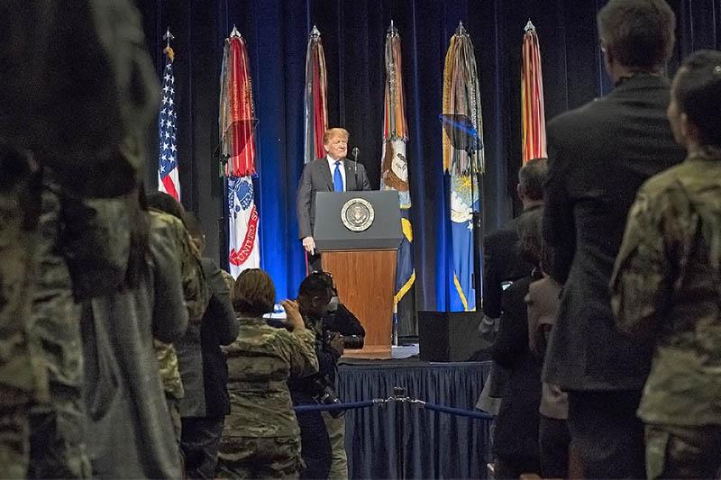 Дональд Трамп выступил в Пентагоне.