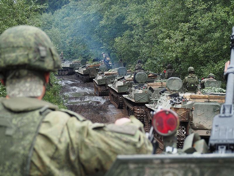 Мотострелки 138-й бригады на марше.