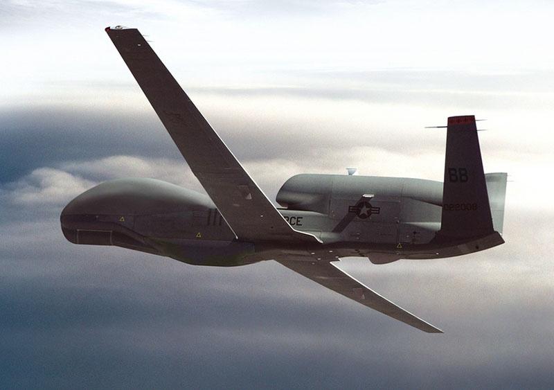 Американский разведывательный дрон-беспилотник типа Global Hawk.