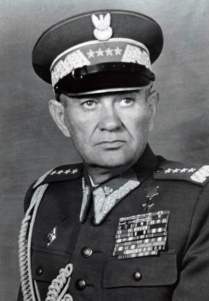 Сослуживец Рокоссовского генерал-полковник С.Г. Поплавский был назначен на пост заместителя министра национальной обороны.