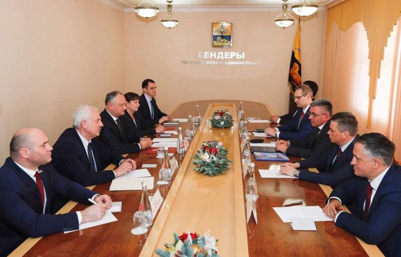 Встреча президента Молдавии Игоря Додона с лидером Приднестровья Вадимом Красносельским.