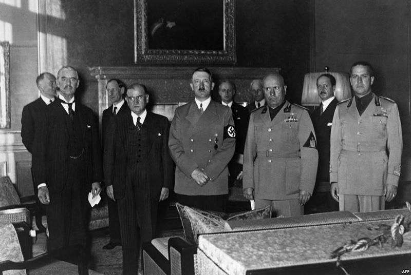 Мюнхенский сговор привел к разделу Чехословакии.