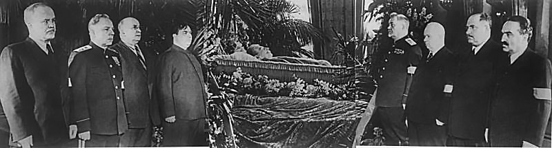 В почетном карауле у гроба И.В.Сталина.