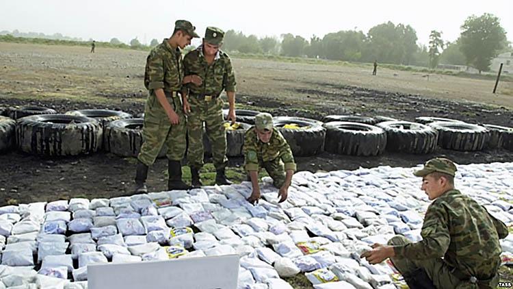 Поток наркотиков из Афганистана в Россию идет через государства Средней Азии.