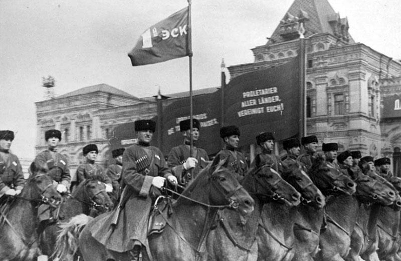 Кавалеристы на Параде Победы на Красной площади 24 июня 1945 года.