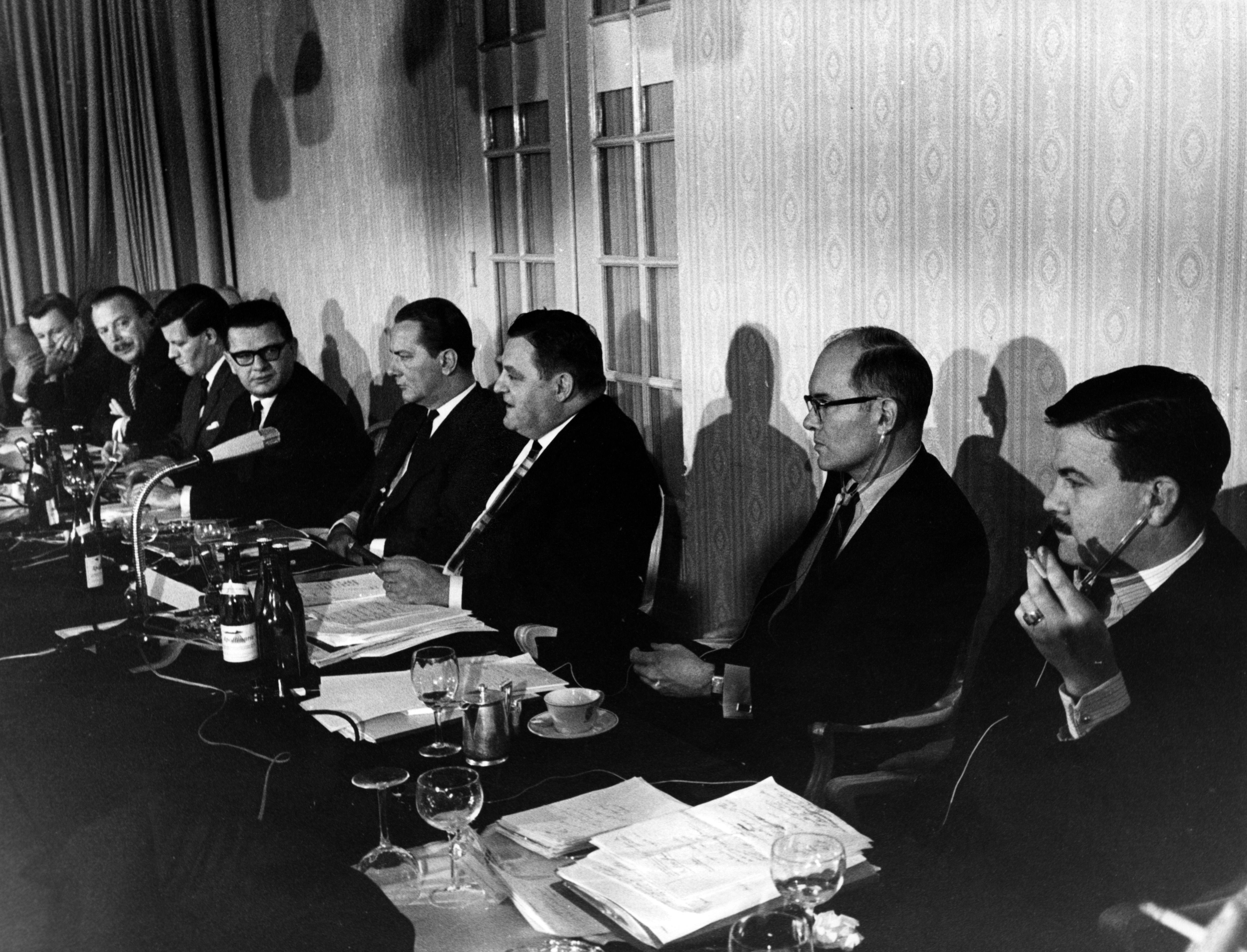 «Встречи по оборонной политике» 60-х годов.
