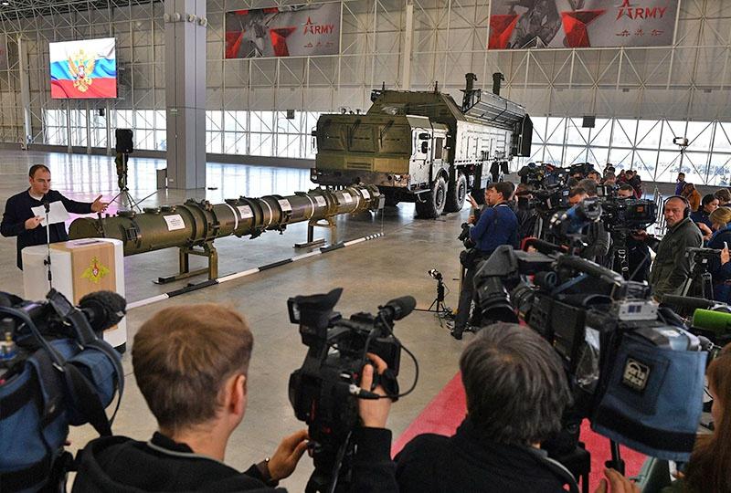 Специальный брифинг, на котором продемонстрировали ракету 9М729.