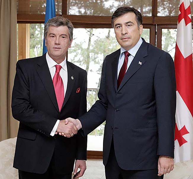 Ющенко пытался поддержать Грузию в пятидневной войне 2008 года, но не смог заставить армию воевать.