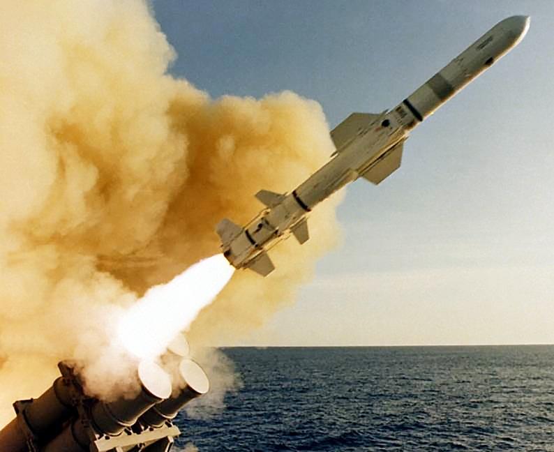 Первые запуски RGM-84 «Harpoon».