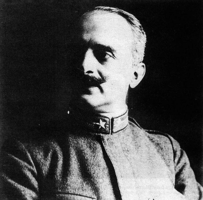 Джулио Дуэ заложил концепцию военно-воздушной обороны.