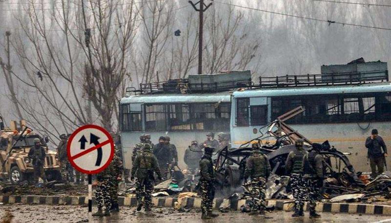 Террористическая атака на индийский военный конвой в Пульваре.