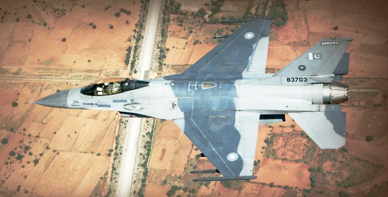 Индийские силы сбили пакистанский истребитель F-16.
