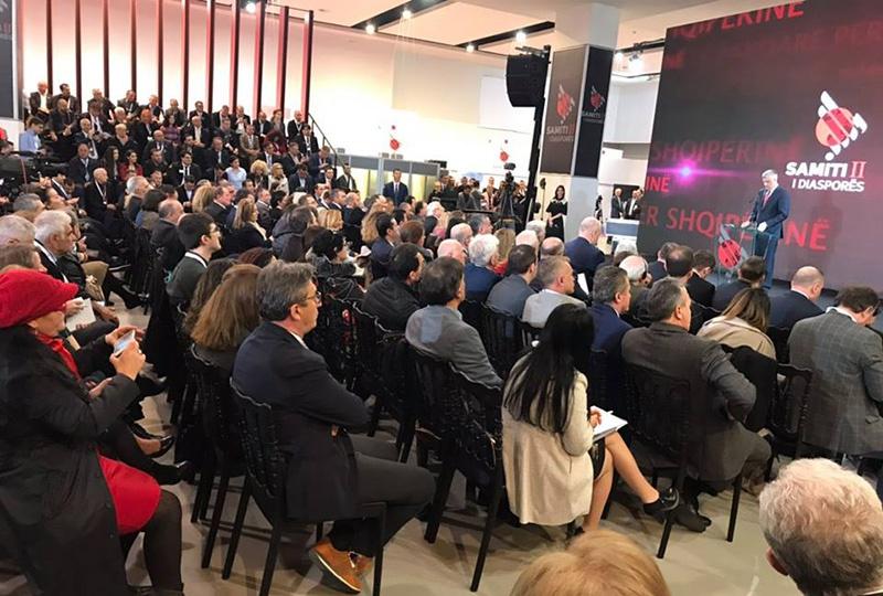 На съезде албанской диаспоры президент Косова Хашим Тачи заявил, что он не допустит организацию какой-либо международной конференции по Косову, в которой будет принимать участие Россия.
