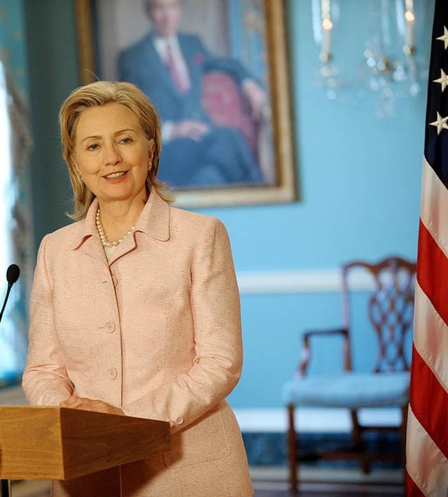Трамп сожалеет, что на выборах 2020 года Хиллари Клинтон не будет.