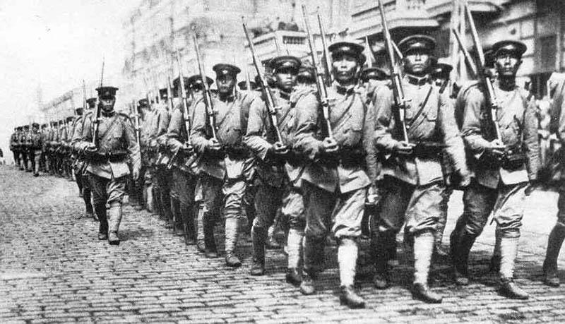 Японцы из Владивостока ушли сами.